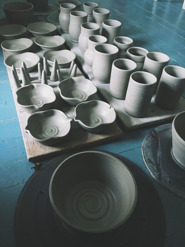 Handcrafted clay vessels by potter Tara-Sinead of Pitch Pine Pottery. Read the interview with Tara-Sinead at Different Drum. www.differentdrumblog.com