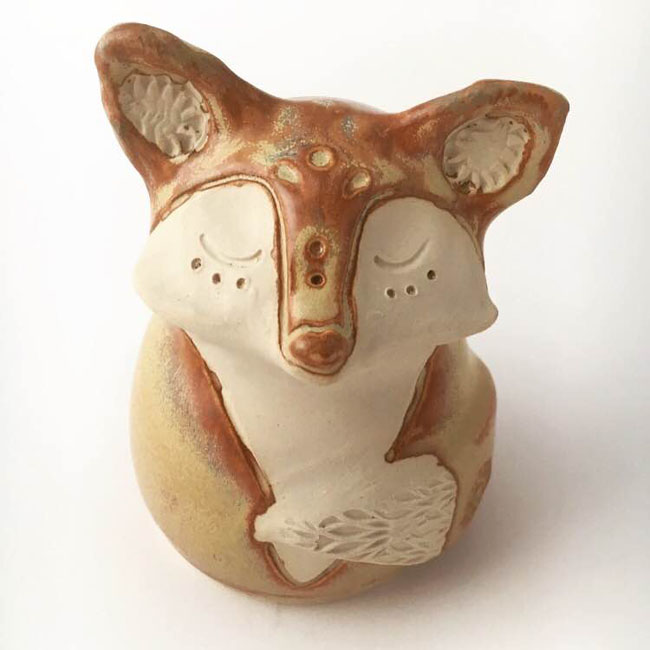 This pottery fox bank is handcrafted by Tara-Sinead of Pitch Pine Pottery. Read the interview with Tara-Sinead on Different Drum. www.differentdrumblog.com