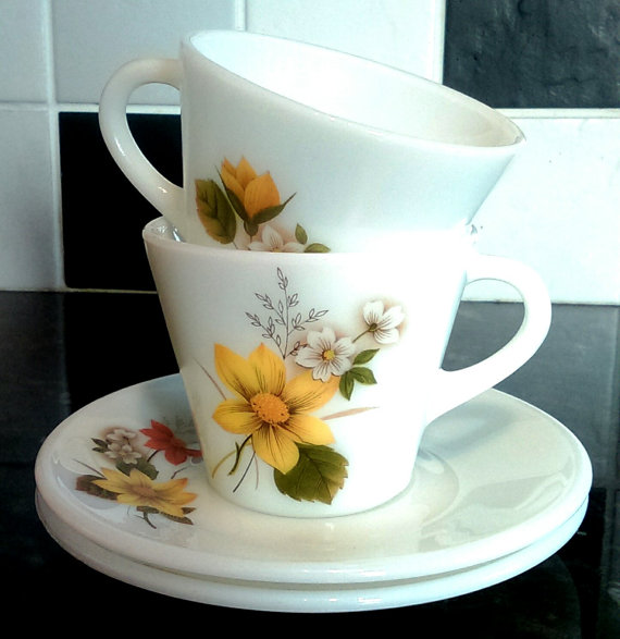 Autumn Glory Vintage Pyrex Teacups & Saucers by StrawberryfVintage on Etsy.