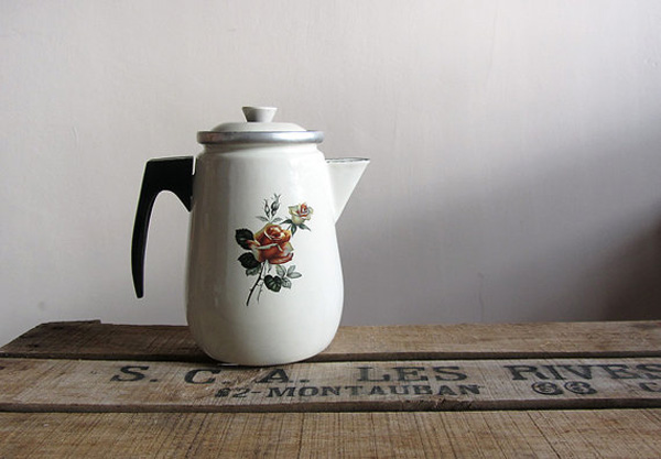 Vintage floral enamelware coffee pot offered by Retrospekcja on Etsy.