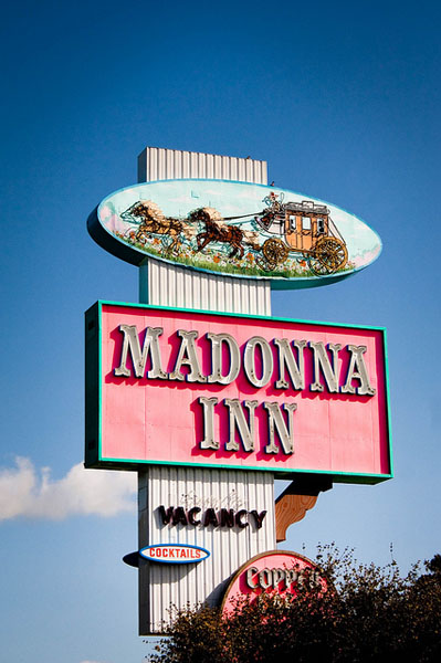 The Madonna Inn Sign on Highway 101 (Photo by kersy83/Creative Commons)