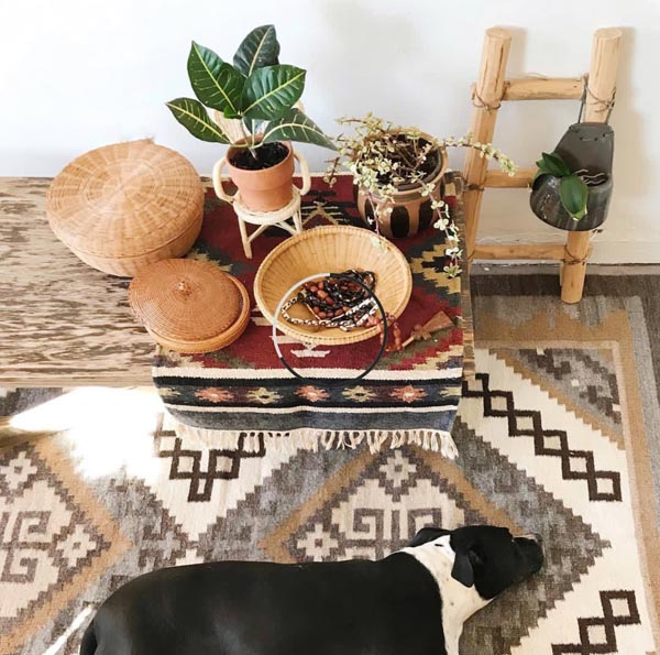 A warm home filled with vintage wares by Shop Taprut on Etsy.