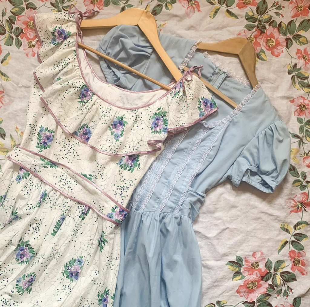 The Pansy Garden is an online shop selling vintage prairie dresses.